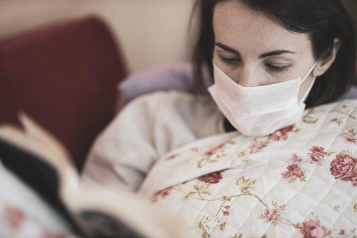Coronavirus Virus Patient Mask  - Engin_Akyurt / Pixabay